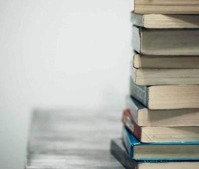 Simulasi UN Ekonomi SMA Bagian 1, berikut 10 Contoh Soalnya. Photo by Sharon McCutcheon https://unsplash.com/photos/eMP4sYPJ9x0