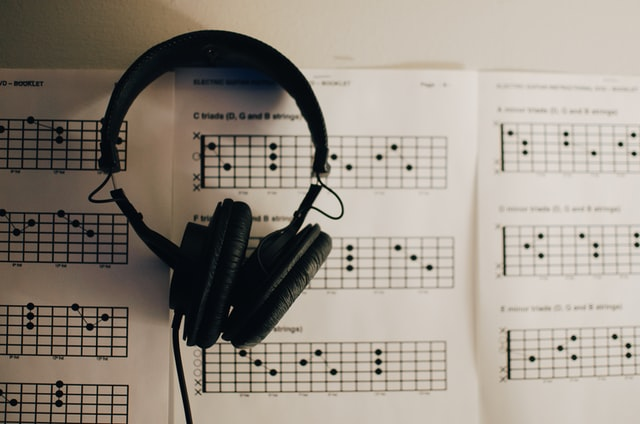 Aplikasi Download Lagu Terpopuler, Nggak Bikin Kuota Jebol!